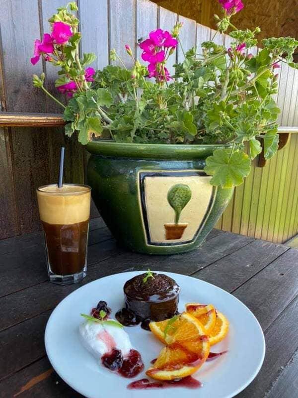 Ресторанти с градини близо до София